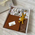 dovanų dėžutė su lino zuikiu